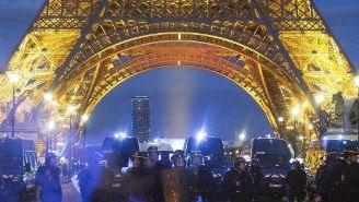 Torre Eiffel, escenario de disturbios durante Final de la Eurocopa
