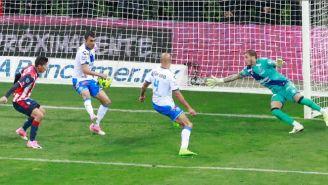 Campestrini recibe el segundo de las Chivas