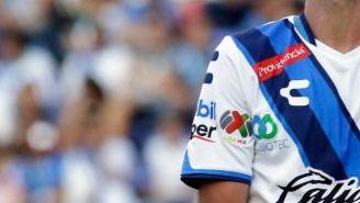Navarro se lamenta durante un partido del Puebla