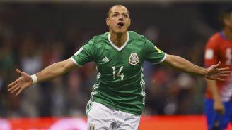 CH14 celebra su gol contra Costa Rica en el Estadio Azteca