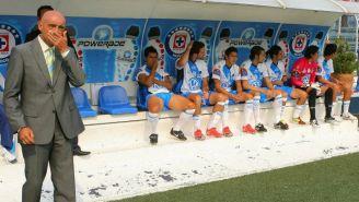 El Chelís, durante un juego entre Puebla y Cruz Azul