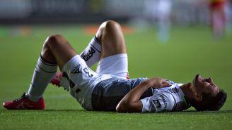 Burdisso se duele durante el juego entre Léon y Monarcas