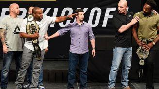 Cormier y Jones, cara a cara en la presentación de su combate