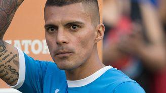 Ruiz saluda a la afición de Cruz Azul en el Clausura 2017
