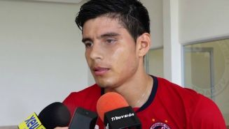 Herrera es entrevistado durante su paso por los Tiburones Rojos