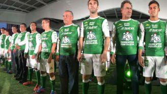 Jugadores de León en la presentación del uniforme