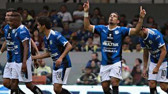 Camilo Sanvezzo festeja su gol contra América