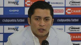 Walter Freita, durante una conferencia con el club Puebla