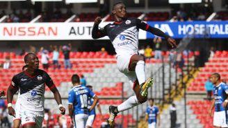 Quiñones celebra su gol frente a Gallos