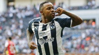 Pabón festeja su tempranero gol frente a Veracruz