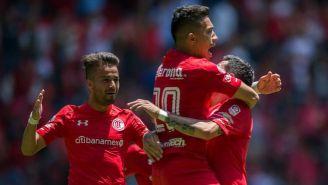 Fernando Uribe festeja uno de sus goles contra León en la J2 del A2017