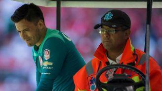 Talavera, tras sufrir una lesión en el juego contra León
