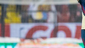 Oribe Peralta en el partido contra Pumas