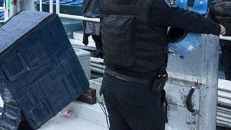 Elementos de seguridad, en los alrededores del banquillo azul