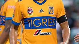 Juninho, durante un partido de Tigres