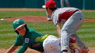 Jorge Lambarria y  Rei Ichisawa, en el juego entre México y Japón