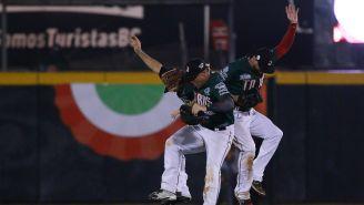 Los jugadores de Tijuana festejan el triunfo en el juego 1 de la Serie del Rey
