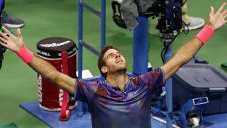 Juan Martín del Potro festeja después de vencer a Federer