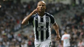Carlos Sanchéz festeja gol contra Necaxa