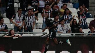 Avilés Hurtado celebrando su gol frente a Pumas