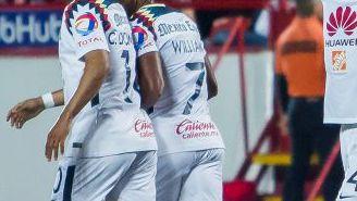 Peralta celebra un gol del América en la Jornada 9 del Apertura 2017