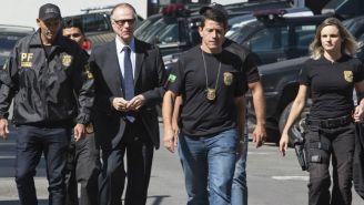 La policía escolta a Carlos Arthur Nuzman tras ser detenido