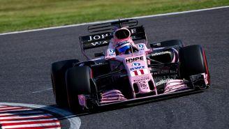Sergio Pérez recorre el circuito de Suzuka