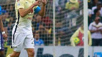Oribe Peralta festeja gol contra Cruz Azul