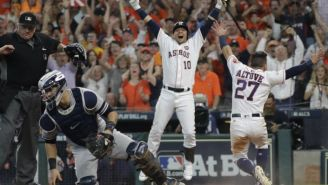 Astros de Houston festejan victoria frente a Yankees