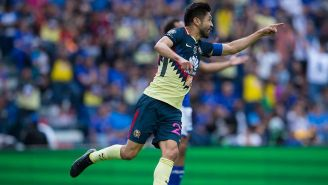 Oribe Peralta celebra su anotación contra Cruz Azul