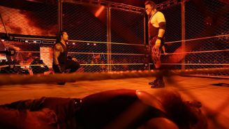 Kane, cara a cara con Roman Reigns