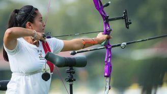 Mariana Avitia realiza un tiro durante el Campeonato
