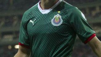 Carlos Fierro, en un juego con Chivas en el A2017