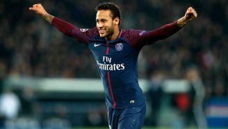 Neymar Jr. celebra una anotación con el PSG