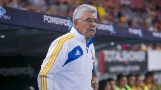 Ricardo Ferretti en el partido contra Atlas