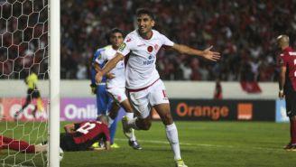 Walid El Karti celebra el gol del triunfo con el que Wylad de Casablanca se coronó en África