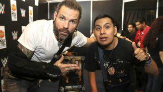 Mario Álvarez conoce al luchador Jeff Hardy