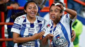 Jugadoras de Pachuca en pleno festejo de gol