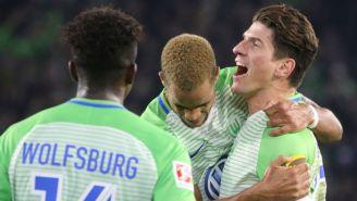 Wolfsburgo celebrando un gol en el partido contra Hertha