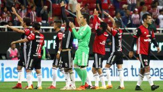 Atlas saludan a su afición después de partido