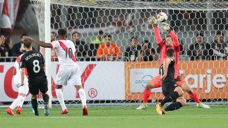 El momento del gol de Farfán para Perú