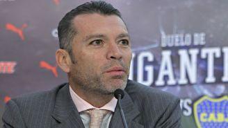 Higuera en conferencia de prensa con Chivas