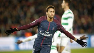 Neymar celebrando uno de sus dos goles frente al Celtic