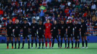 Las jugadoras de ChIvas Femenil previo al juego frente a Pachuca