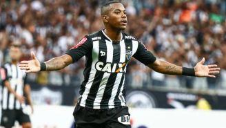 Robinho, durante un juego con el Atlético Mineiro