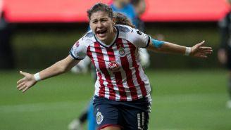 Norma Palafox celebra su gol frente a Pachuca