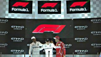El nuevo logotipo de F1 durante la premiación en Abu Dabi