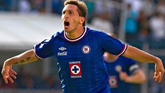 Giménez celebra un gol contra el América en el Apertura 2010