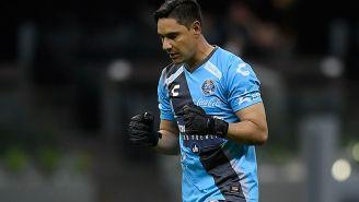 Moisés Muñoz en un partido con Puebla