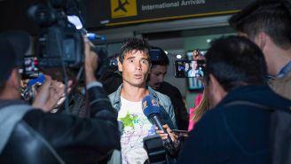 Alustiza, a su llegada al aeropuerto de la capital